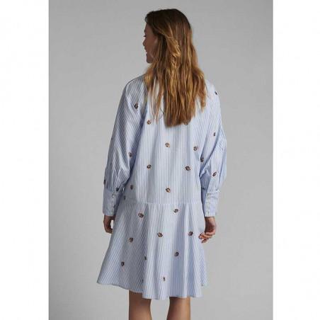 Nümph Kjole, Nudahlia, Blue Stripe Numph skjortekjole Nümph sommerkjole på model set bagfra