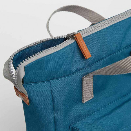 Roka Rygsæk, Bantry B Sustainable Medium, Marine, roka backpack, roka taske, petrol rygsæk, lynlås