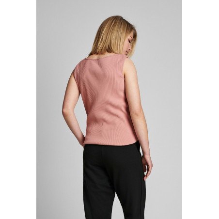 Nümph Top, Nudari, Ash Rose numph tanktop  Bæredygtig viscose top på model ryg