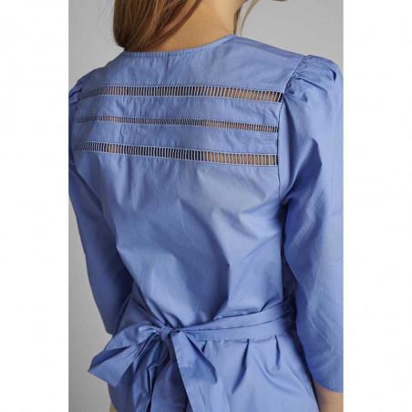 Nümph Bluse, Nucherie, Wedgewood Numph slå-om bluse ryg detalje