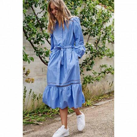 Nümph Kjole, Nucherie, Wedgewood Numph kjole i økologisk bomuld på model look