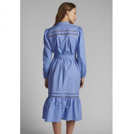 Nümph Kjole, Nucherie, Wedgewood Numph kjole i økologisk bomuld på model set bagfra