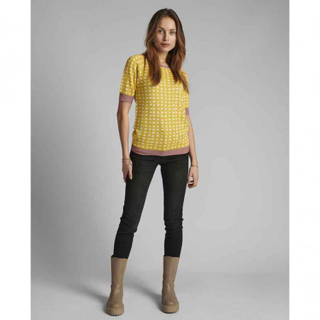 Nümph Bluse, Nycaitlyn Tee, Snapdragon Numph bluse Strikbluse med lurex på model look
