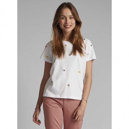 Nümph T-shirt, Nucarol, Bright White, Numph tøj, Nümph toppe, Økologisk bomuld. T-shirt i økologisk bomuld - Tæt på