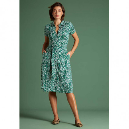 King Louie Kjole, Olive Perris, Opal Green Kinglouie skjortekjole på model.