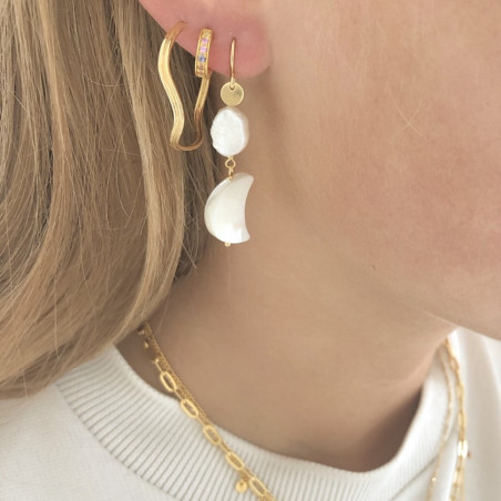 Stine A Ørering, Midnight Moon, Guld StineA Midnight Moon and Baroque Pearl Earring Gold look