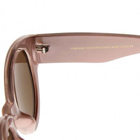 A Kjærbede Solbriller, Big Winnie, Light Grey detalje