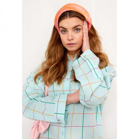 Hunkøn Kjole, Nita Shirtdress, Turquoise Checked Hunkøn skjortekjole på model detalje