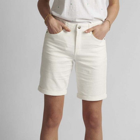 Nümph Short, Florida, Bright White, Numph tøj, shorts til kvinder - Model