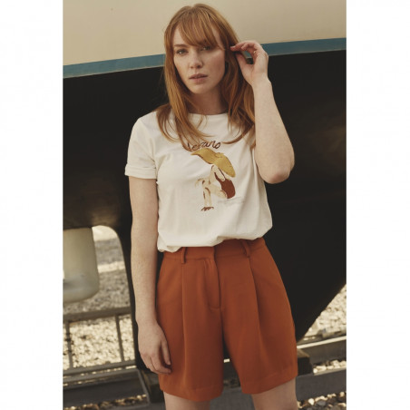Minus Shorts, Silka, Burned Hazel, model