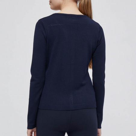 Minus Cardigan, New Laura, Black Iris Solid på model ryg