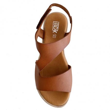 LBDK Sandaler, Sandal Asymmetrisk, Vaq cuero Flad sandal i skind med hvid sål