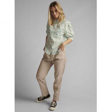 Nümph Skjorte, Nugrenoble, Cloud Dancer, kortærmede skjorter, numph tøj, nümph bluser - langt fra