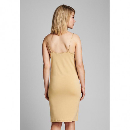 Nümph Underkjole, Nucady Long Singlet, Pebble Numph kjole i beige jersey på model ryg