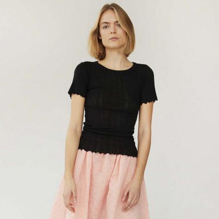 Mads Nørgaard T-shirt, Pointella Trixa, Black, økologisk bomuld, økologisk t-shirt, basic t-shirt, babylock - model