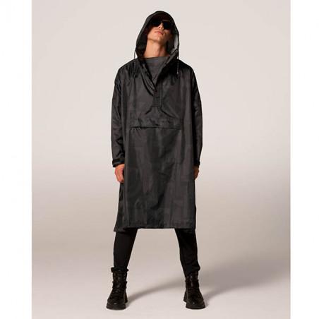 Rainkiss Regnjakke, Back To Black, Black Art Camo, Back to Black Art Camo - Rain Poncho, regnponcho - model