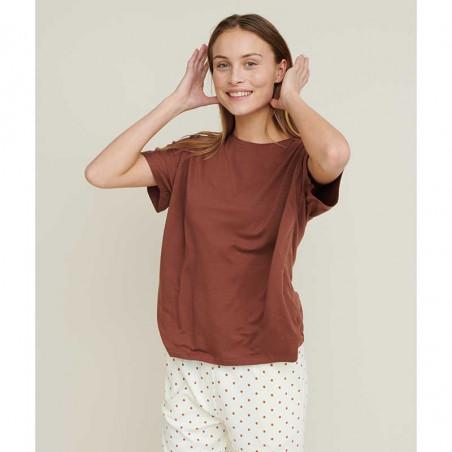 Basic Apparel T-shirt, Joline, Mink på model i ecovero viscose