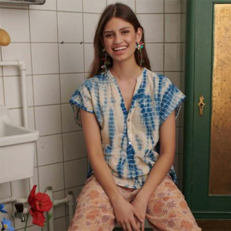 Sissel Edelbo Kjole, Havana Tie Dye, Blue, sommertoppe, bluse, kortærmer bluse - Model