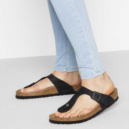 Birkenstock Sandaler, Gizeh Oiled, Black Sandaler i skind - regular fit - gizeh sandal sort på model