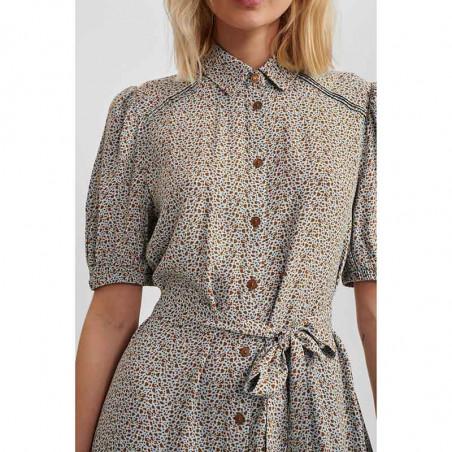 Nümph Kjole, Nucecelia Shirt Dress, Cashmere Blue Numph skjortekjole, hverdagskjole, sommerkjole detalje front