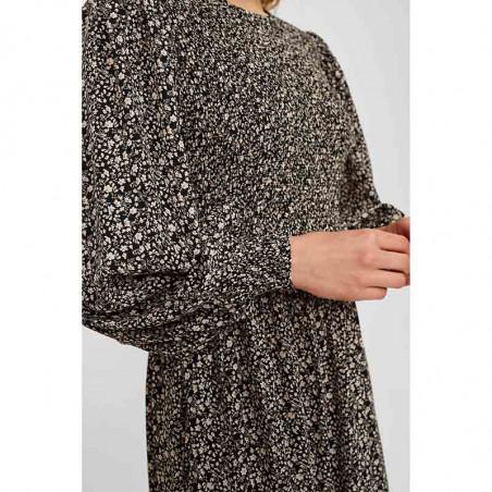 Nümph Kjole, Nucaltum, Caviar, kjole fra Numph, sort kjole, blomstret, smockkjole, skørt