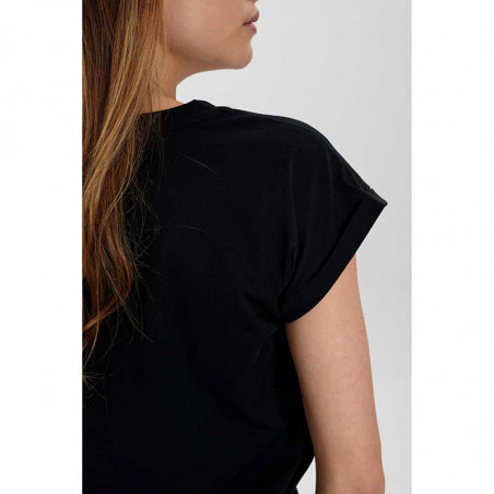 Nümph T-Shirt, Nubeverly T-Shirt, Caviar Numph top i sort på model detalje