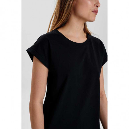 Nümph T-Shirt, Nubeverly T-Shirt, Caviar Numph top i sort på model side