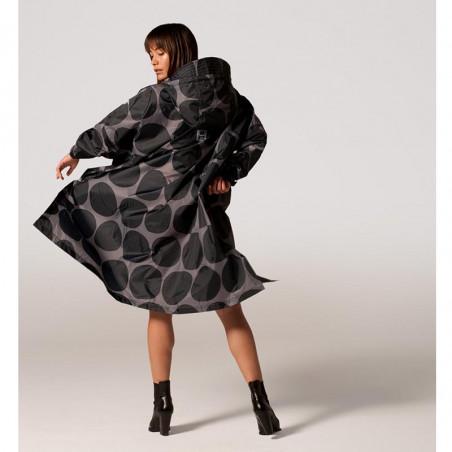 Rainkiss Regnjakke, Black Polka Poncho, Black Polka, regntøj, regnjakke, regnponcho bagfra