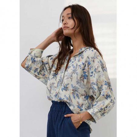 Lollys Laundry Skjorte, Ralph, Blue Skjortebluse med print Lolly's laundry bluse set fra siden