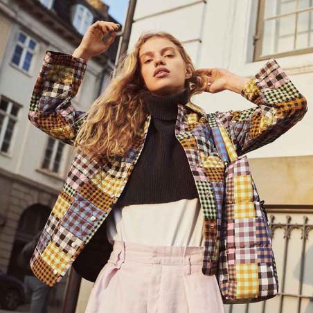 Beck Söndergaard Jakke, Mukki Quilted, Multi Col. Beck Søndergård Quilt jakke patchwork print på model
