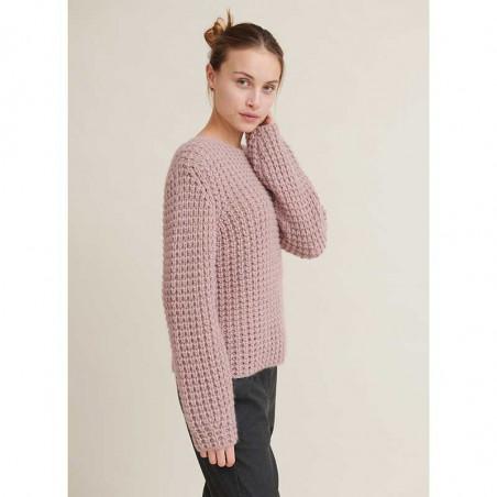 Basic Apparel Sweater, Laurie Sweater, Nostalgia Rose Strikket Pullover på model set fra siden