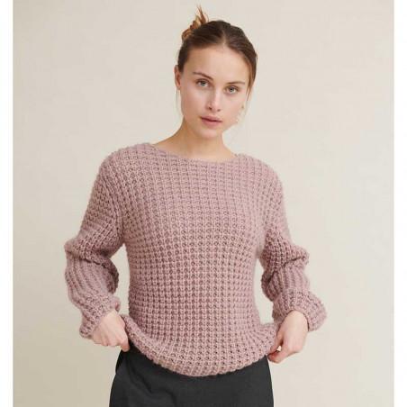 Basic Apparel Sweater, Laurie Sweater, Nostalgia Rose Strikket Pullover på model forfra