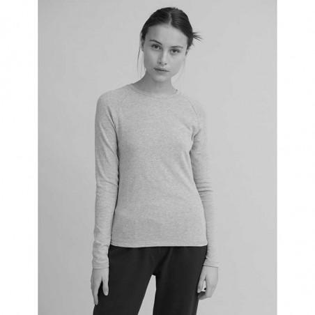 Basic Apparel T-shirt, Ludmilla LS, Rose Dust på model