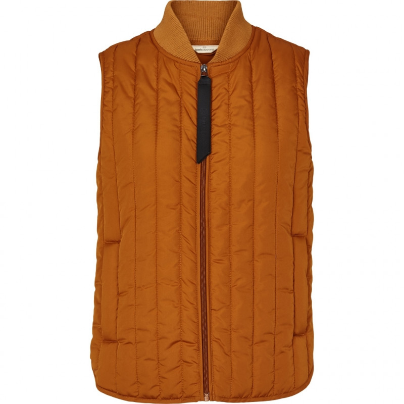 Basic Apparel Vest, Louisa Short, Roasted Pecan, kviltet vest, quilted, dynevest, dunvest