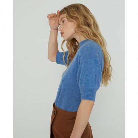 Six Ames Strik, Moi, Regatta, kortærmet sweater, støvet blå, bådudskæring, model