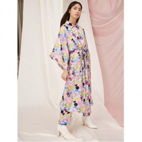Hunkøn Kimono, Caya, Candy Clouds Print Hunkøn tøj på model