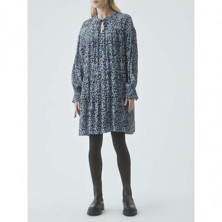 Modström Kjole, Menna Print Dress, Forest Fleur modstrøm kjole på model