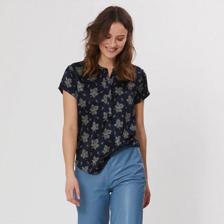 PBO Bluse, Blaine, Blue Irish, silkebluse, silketop, blomsterprint, detalje
