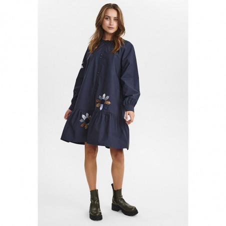 Nümph Kjole, Nubelinde dress, Dark Sapphire, model look