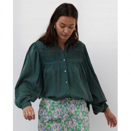 Lollys Laundry Skjorte, Cara, Dusty Green, Shirt, Bluse, Ballonærmer, Viskose, Kinakrave, Model