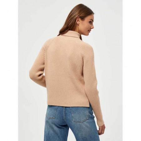 Minus Strik, Ava Turtleneck, Light Apricot, Trøje, Rullekrave, Sweater, Pullover, Beige, Ribstrik, Model Ryg